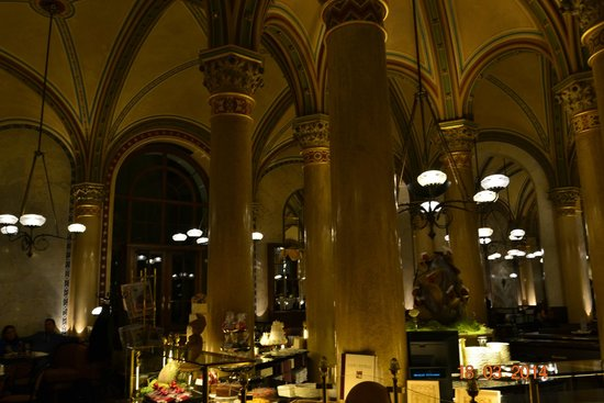 Cafe Central : Кафе централ