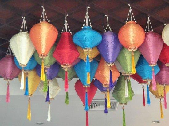 Panwa Boutique Beach Resort: lampions