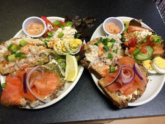 Tony's Grill Diner: Tony's delicious Seafood Sambo with crab and smoked salmon!
