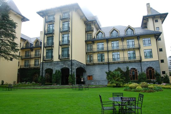 Wildflower Hall, Shimla in the Himalayas: The hotel from the garden in front