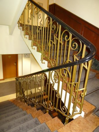 Crowne Plaza Hotel Salzburg - The Pitter: Quaint staircase