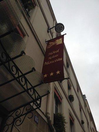 Hotel Relais Monceau: Вывеска