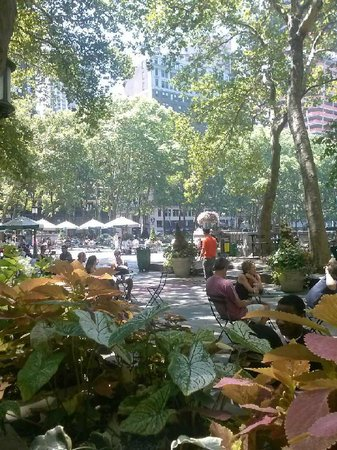 Bryant Park Grill : The Setting Breath take N