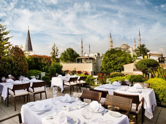 Eresin Crown Hotel Sultanahmet: Mosaic Terrace Blue Mosque side