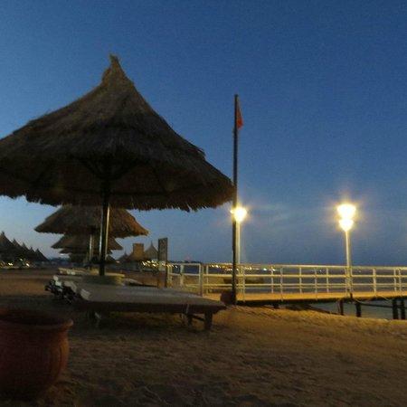 Sheraton Sharm Hotel, Resort, Villas & Spa : Пляжные зонтики