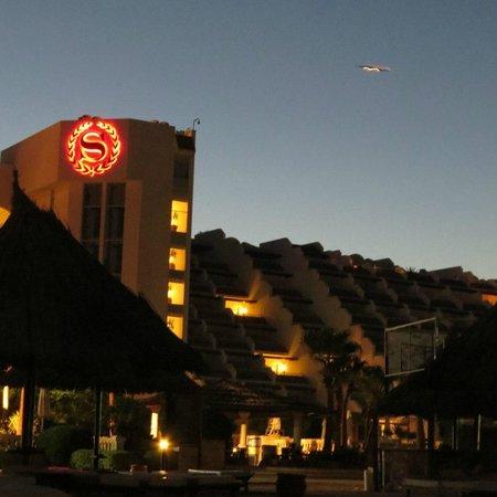 Sheraton Sharm Hotel, Resort, Villas & Spa: основной корпус, все номера с видом на море