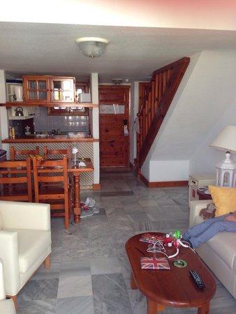 Parque Santiago III: Living room/kitchen