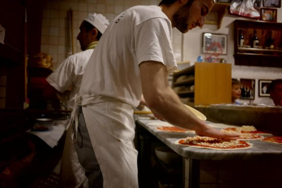 Pizzeria da Baffetto : the best pizza ever