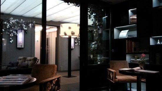 Hôtel Les Jardins de la Villa : lobby