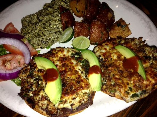 Tila's Restaurante & Bar: Lump crabmeat tostadas