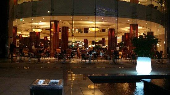 Beach Rotana: The lobby
