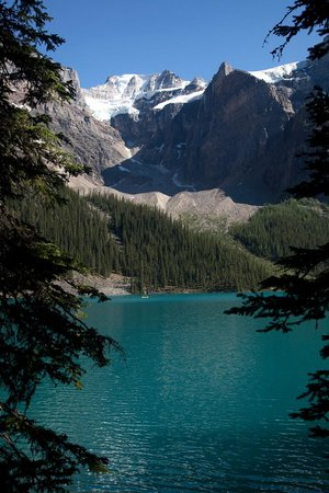 Moraine Lake Lodge : Moraine Lake