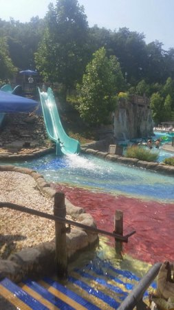 Dollywood's Splash Country Water Adventure Park: Nice kiddy slide