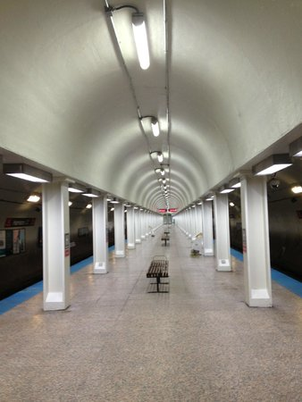 Hilton Chicago: Chicago's red line downtown