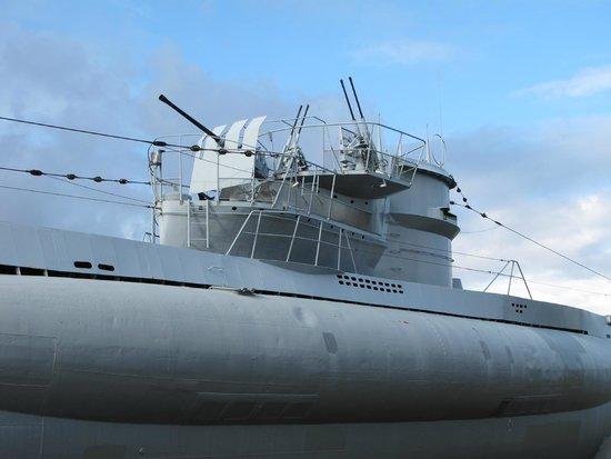 U-Boot U 995: U-995, conning tower
