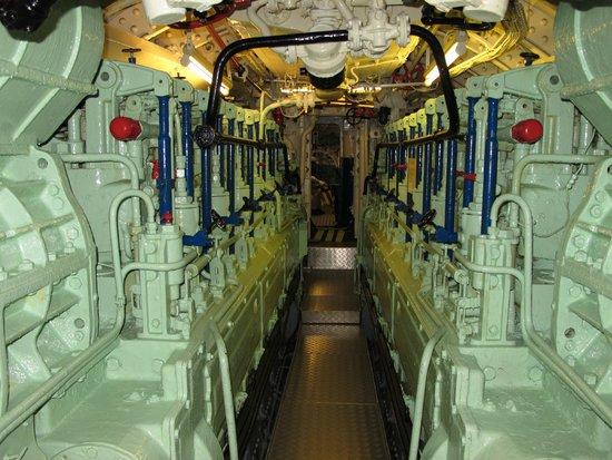 U-Boot U 995: U-995, diesel engine room