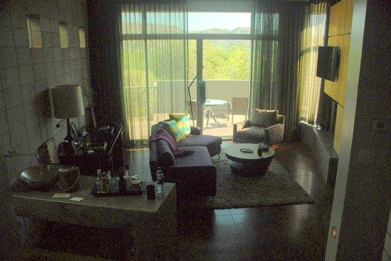 Sanctuary Camelback Mountain : Spa Suite main room