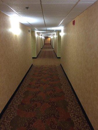 Red Lion Hotel & Casino: Hallway