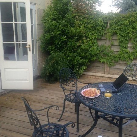 Apsley House Hotel : private patio