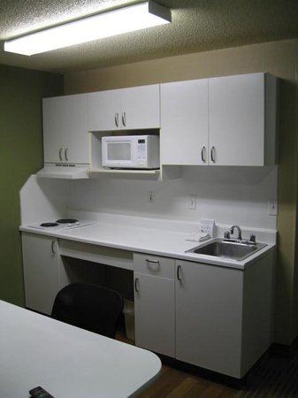 Extended Stay America - Detroit - Novi - Haggerty Road: Kitchenette