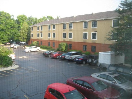 Extended Stay America - Detroit - Novi - Haggerty Road: Parking out back
