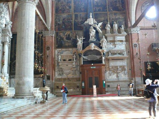 Basilica dei Santi Giovanni e Paolo (San Zanipolo): Пантеон венецианских дожей