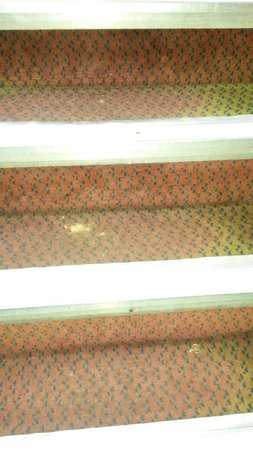 The George Hotel: dirt on stairs