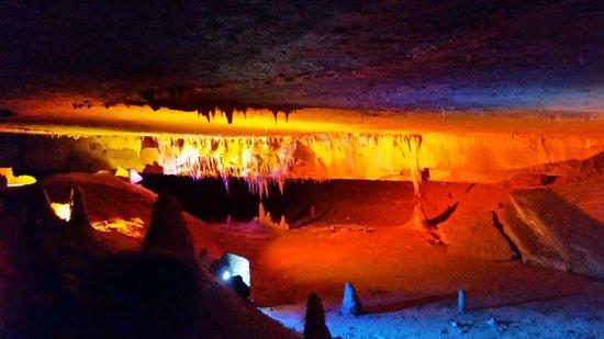 Forbidden Caverns : lightshow