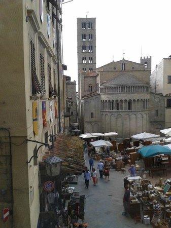 La Corte del Re: Visuale dalle camere su piazza Maggiore