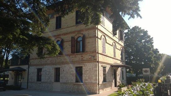 Villa Raffaello Park Hotel: Ingresso