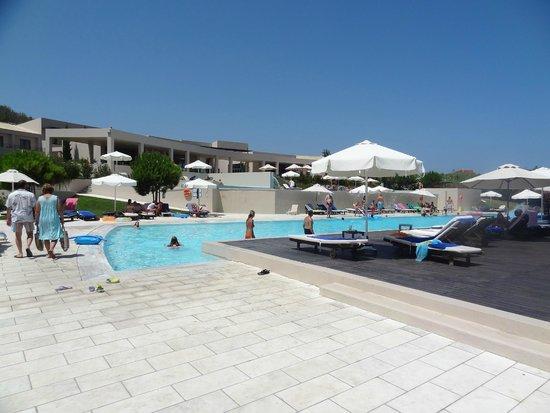 Atlantica Eleon Grand Resort & Spa: Piscine