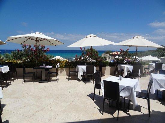 Atlantica Eleon Grand Resort & Spa: Terrasse