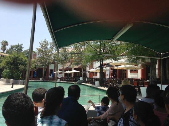 Bar / Restaurant along the Paseo de Santa Lucia