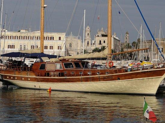 Hotel Lucy : le port de Trani