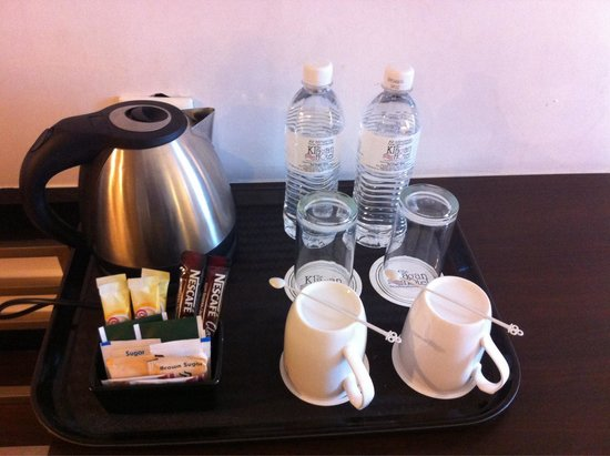 The Klagan Hotel: Coffe/tea making facilities