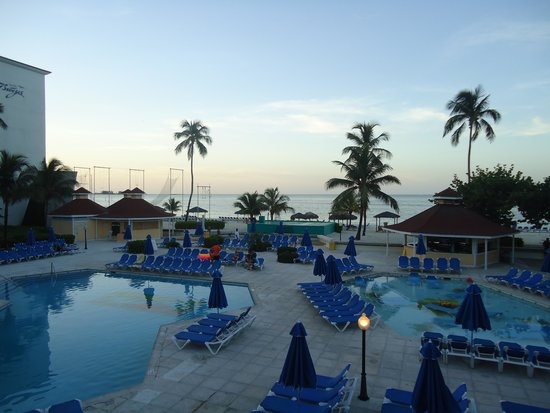 Breezes Resort & Spa Bahamas : View from above the swim-up bar