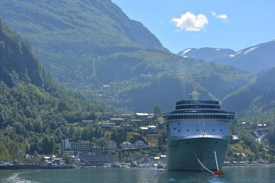 Hotel Geiranger: View from the Fjord of visiting cruise ship and our hotel