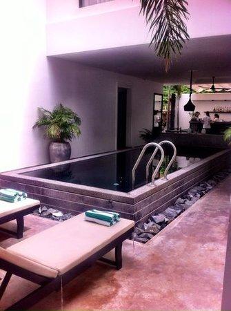H Hotel Cambodia: great pool