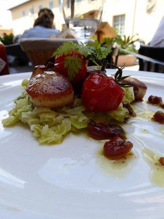 Bistro Pastis : Scallops with a leek fondue