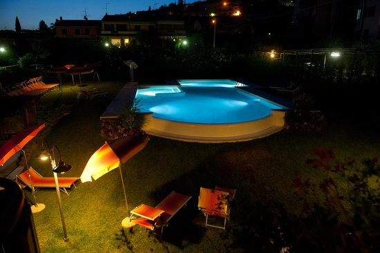 Hotel Romantic: Piscina