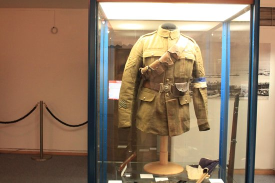 "Dover Museum: Uniform of a WWI ""Tommy"""
