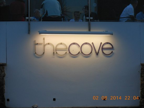 Cove Restaurant & Bar: entrata