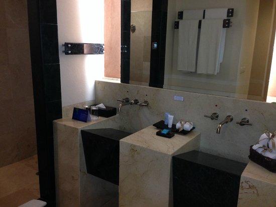 Grand Park Royal Cancun Caribe: Banheiro