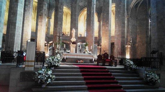Église Sainte-Marie-de-la-Mer : Красиво!