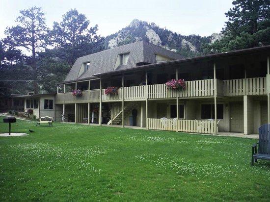 Deer Crest Resort: South side facing the river