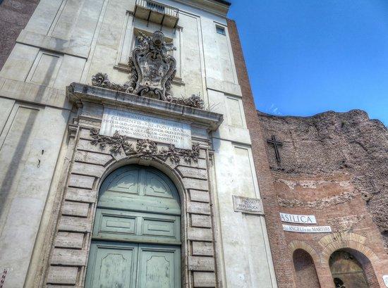 Basilica di Santa Maria degli Angeli e dei Martiri: Basilica S. Maria degli Angeli e dei Martiri - Exterior