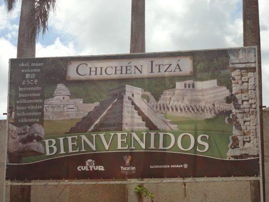 Museo Maya de Cancun: Placa de chegada.