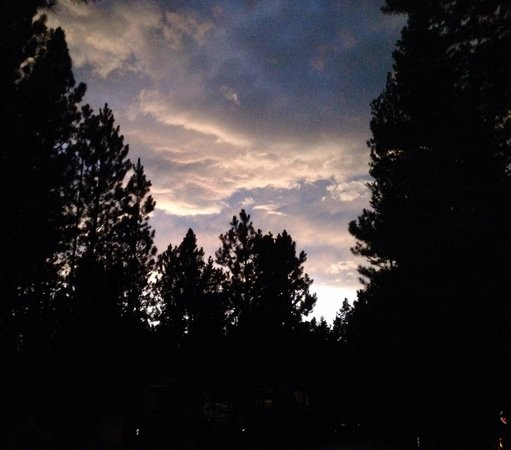 La Pine State Park: Sunset in the campground