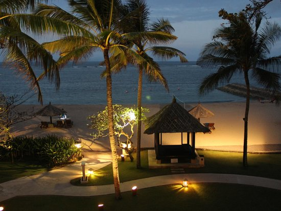Conrad Bali: Beach at night...