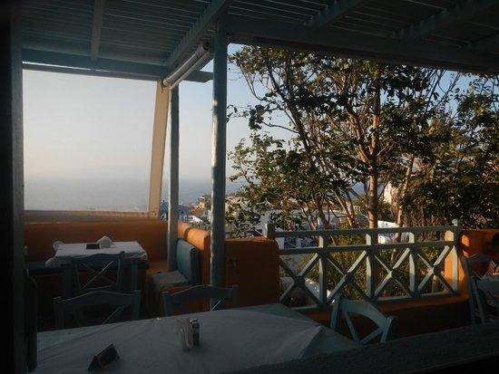 Roka Kafeneio Ouzeri : Nice view